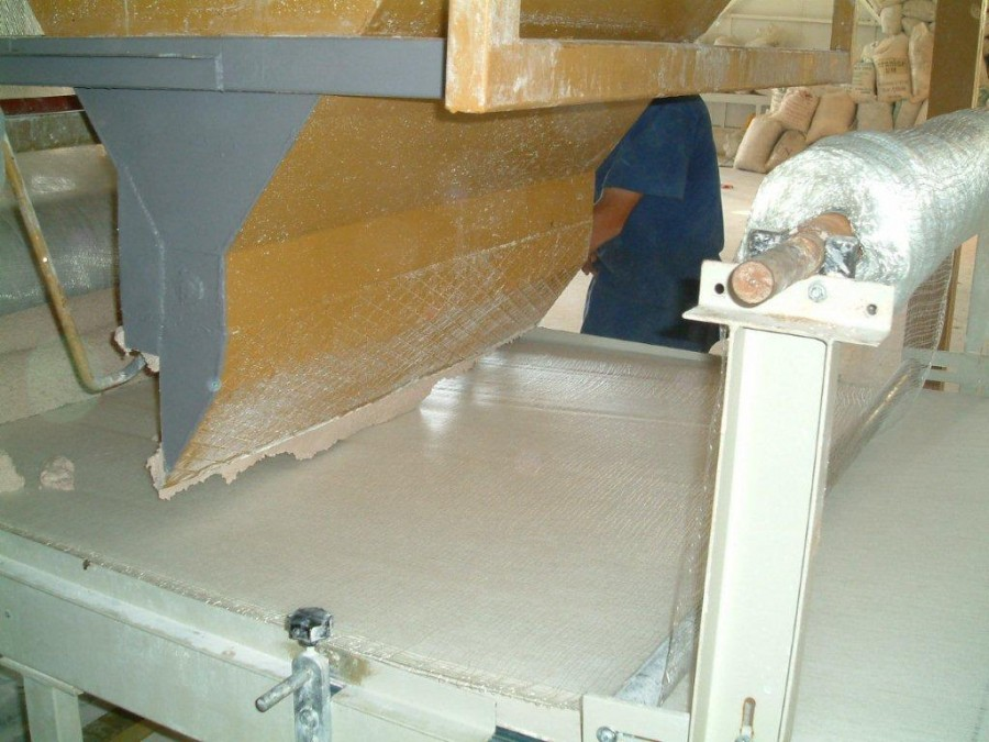 Production of magnesia panels